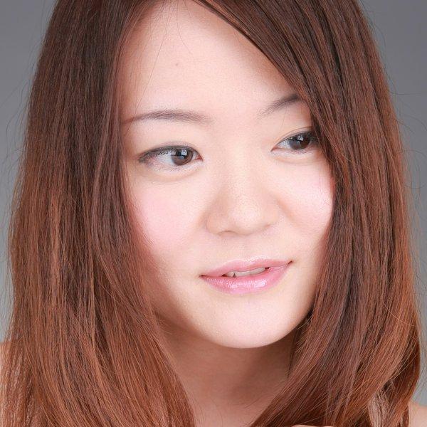 Shino Hidaka