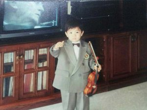 When Younguk was 4 years old...there is menuhin on the TV :)